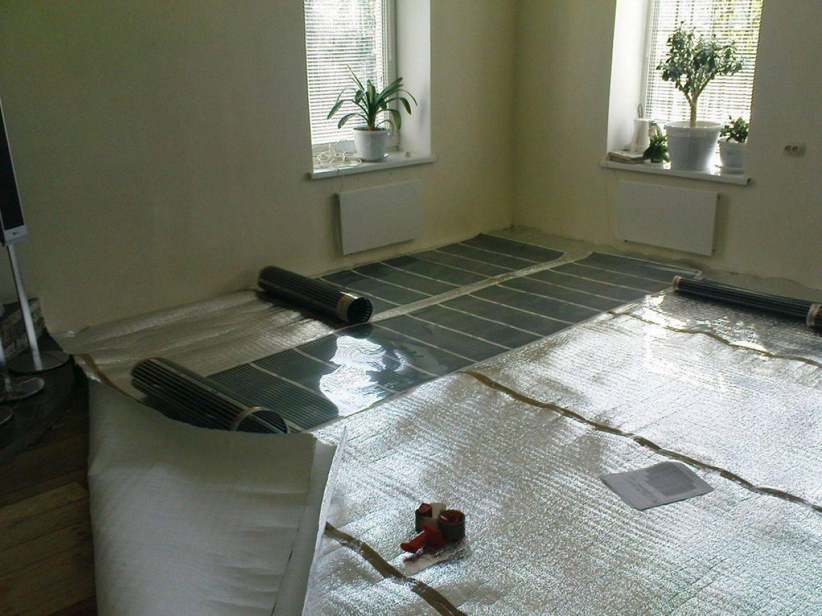 Теплый пол под линолеум на бетонный пол - какой лучше уложить и как правильно