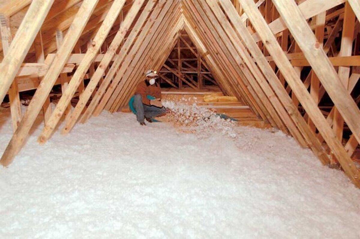 Утепление чердачного перекрытия: как утеплить холодный чердак и как выбрать лучший утеплитель по железобетонной плите и деревянным балкам