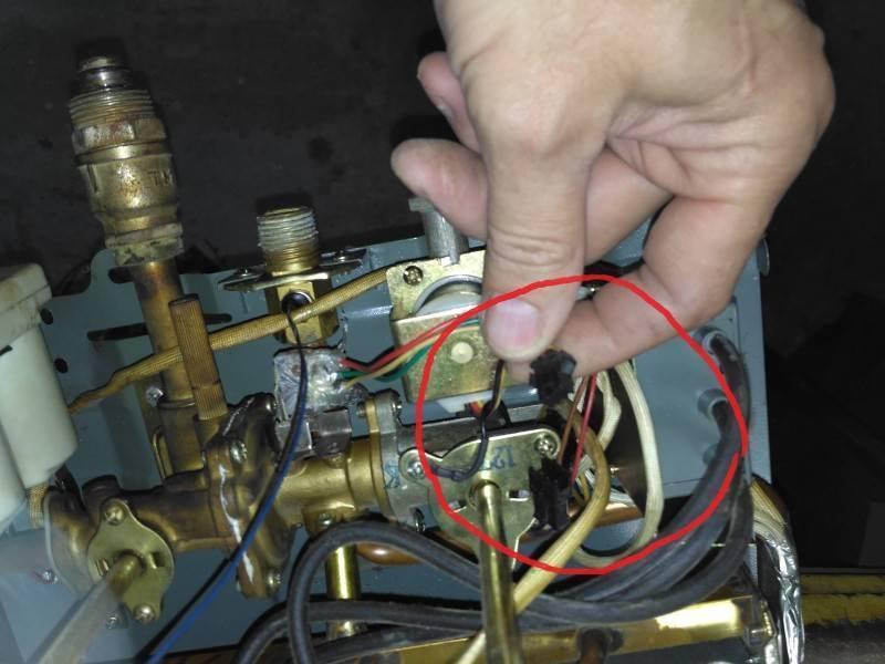 Колонка щелкает но не загорается. не зажигается газовая колонка: причины поломок, и методы их устранения