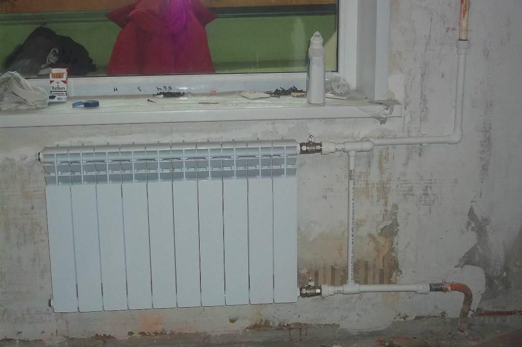 Установка биметаллических радиаторов отопления, как сделать монтаж своими руками, детали на фото и видео