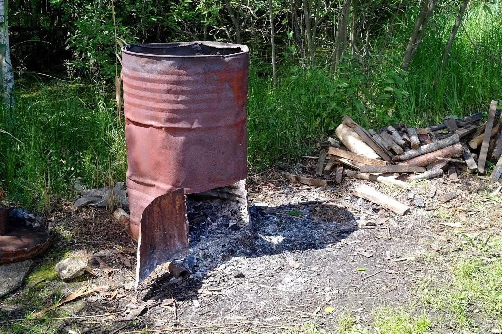 Сжигание мусора на даче в железной бочке — как правильно жечь отходы