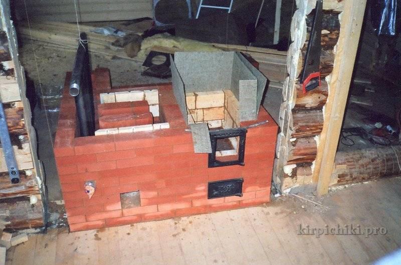 Печь с котлом водяного отопления: установка котла, кирпичная кладка, преимущества и недостатки