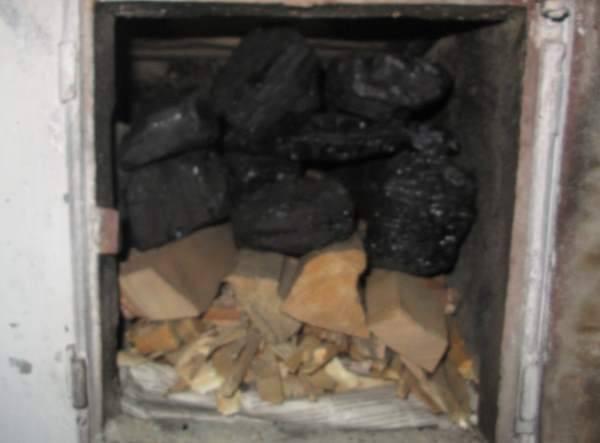 Долго горит и даёт много жару, а что ещё нужно? уголь для отопления домов