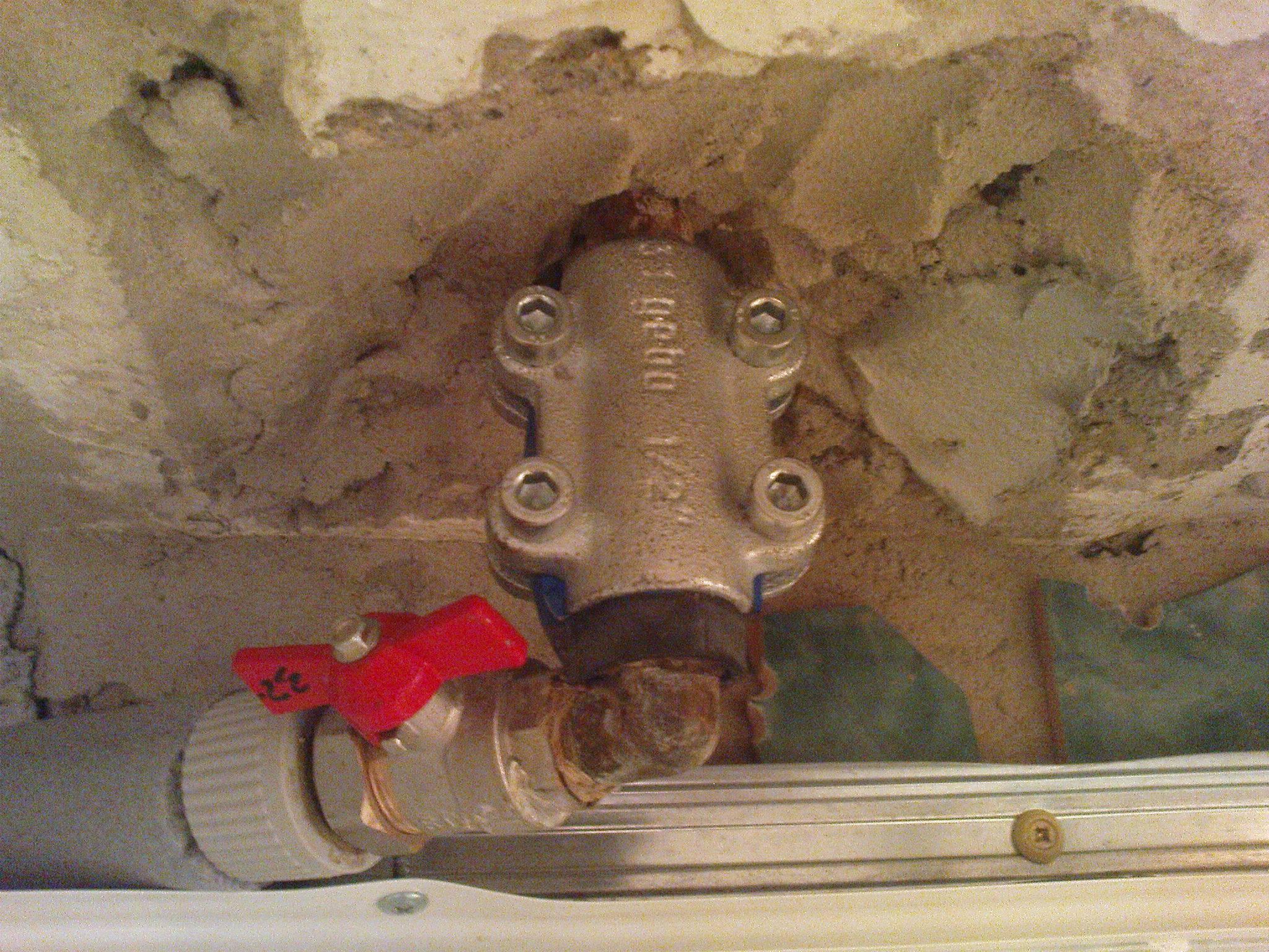 Устранение течи в системе отопления, герметизация соединений